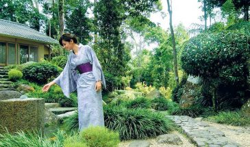 bukit tinggi japanese-village-japanese-tea-house-koi-feeding